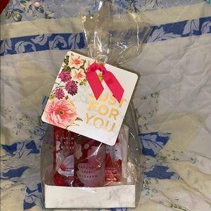 NWT Bath & Body Works Japanese Cherry Blossom Set